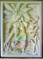 Relief batu motif pohon kelapa