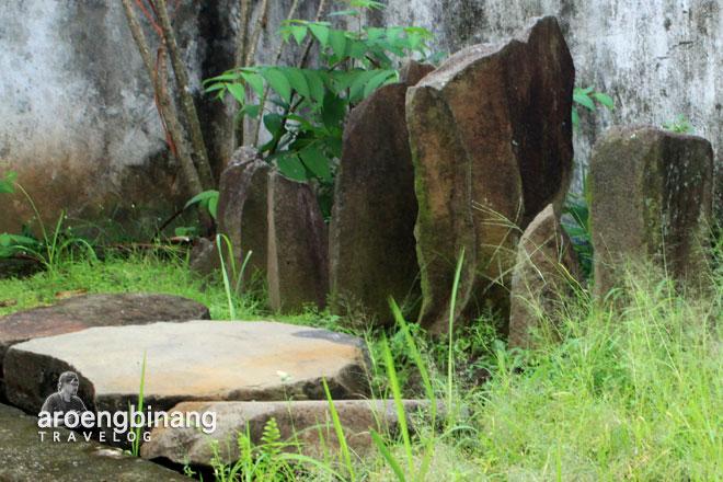 batu sumanti manado sulawesi utara