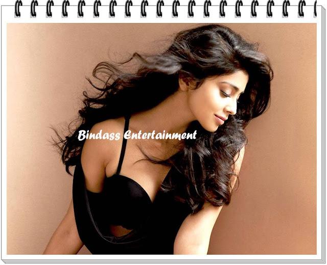 hot-bikini-pics-of-shriya-saran-1