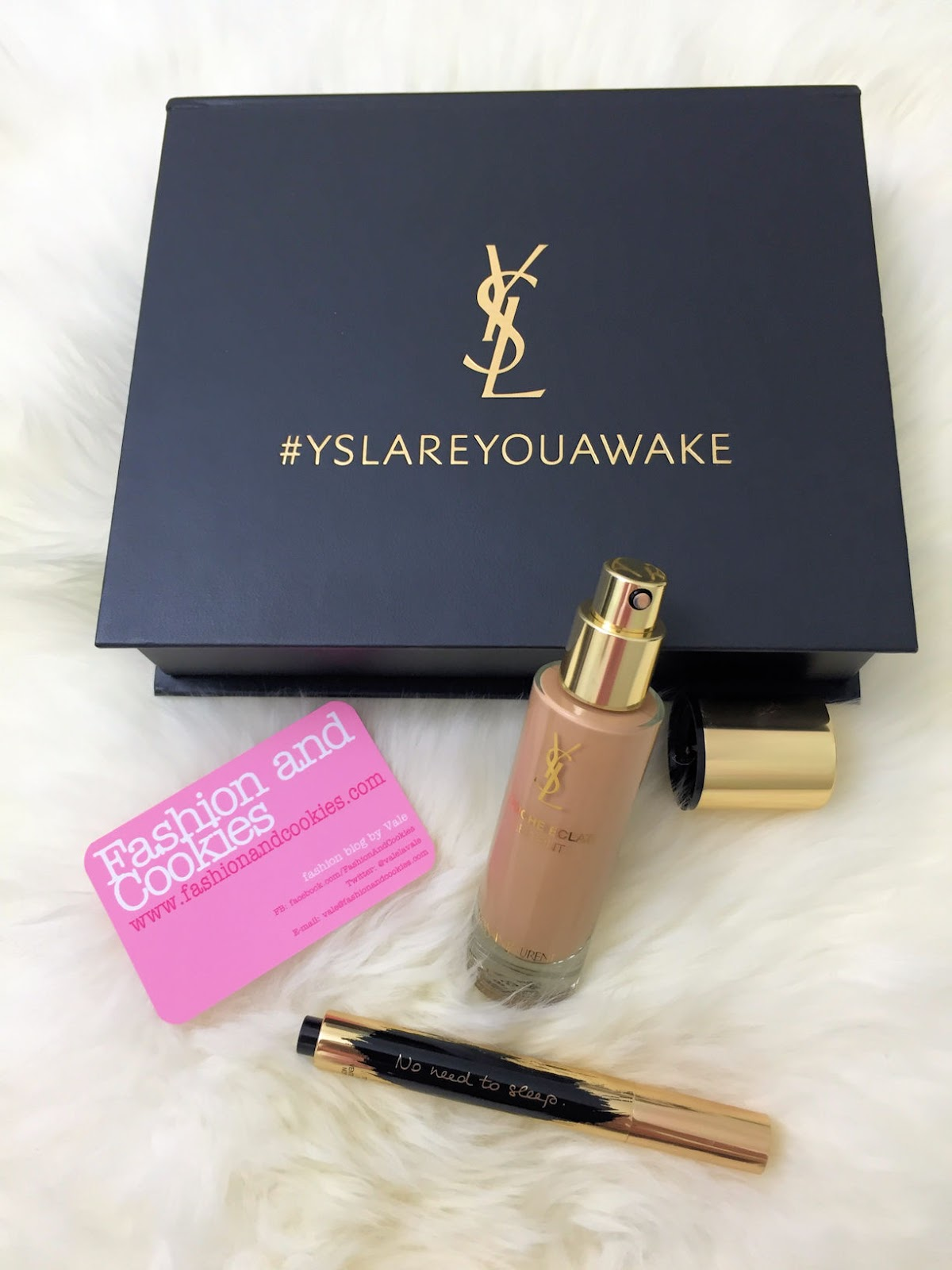 Touche Éclat Le Teint foundation and YSL Touche Éclat collector slogan edition on Fashion and Cookies beauty blog, beauty blogger