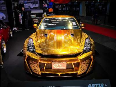 """Chiêm ngưỡng Nissan R35 GT-R mệnh danh """"Nữ thần vàng"""""""