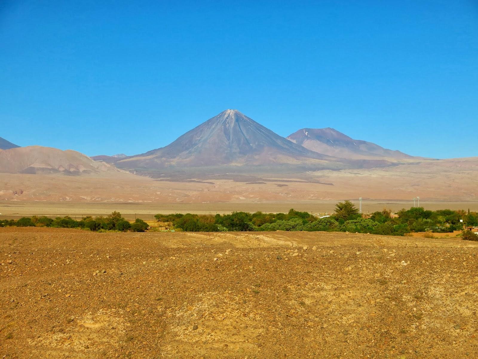 San Pedro de Atacama é uma cidade da província de El Leoa, na região de  Antofagasta, que serve como base para se explorar o Deserto do Atacama. 50075214d8