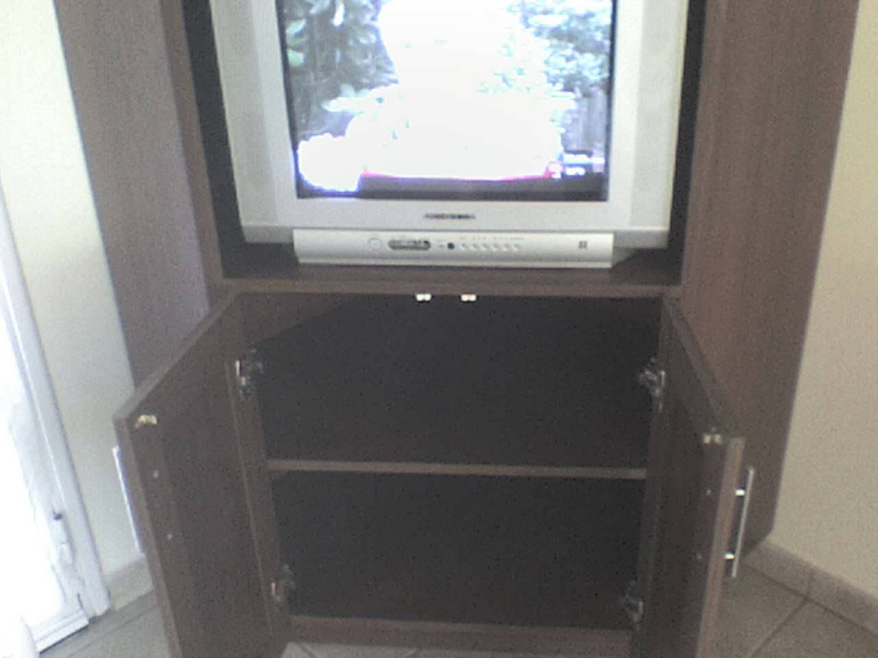 Muebles Para Tv Esquineros Interiores De Placard Un Mueble Tv Esquinero
