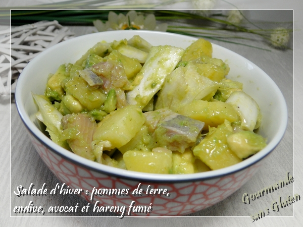 Salade d'hiver : pomme de terre, hareng fumé, avocat et endive