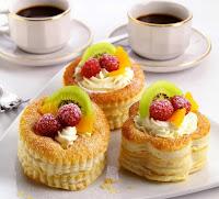 волованы, волованы десертные, волованы закусочные, выпечка, десерты праздничные, закуски праздничные, из теста, коллекция рецептов, крем заварной, пирожные, рецепты, пирожные слоёные, слойки, тесто слоеное, волованы с фруктами, волованы с ягодами, волованы с шоколадом, волованы со сливками, фрукты, ягоды, сливки взбитые, шоколад, кремы десертные http://eda.parafraz.space/