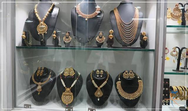 Lojas em Karol Bagh, Delhi, Índia