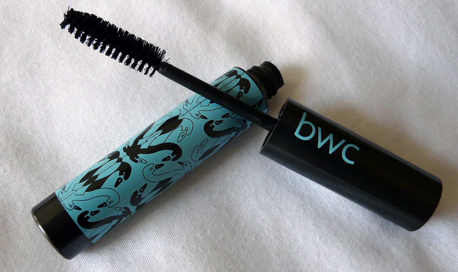 da2fc2af512 I really love this mascara - it makes my lashes look longer, darker and  thicker (I even got complimented on how long they looked!)