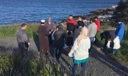 muslim kanada bersihkan lingkungan