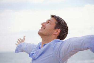 كيف تجعل الناس يحبونك في 90 ثانية رجل ناجح واثق من نفسه يحب الحياه الثقه بالذات النفس successful man self confidence confident respect love life