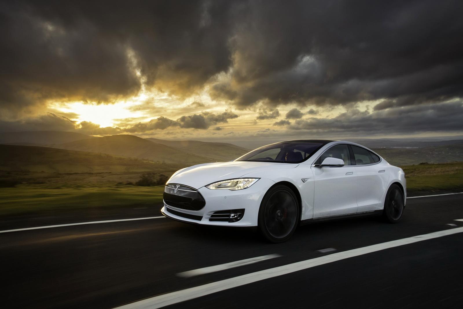 Giá của những chiếc Tesla rất cao so với mặt bằng chung
