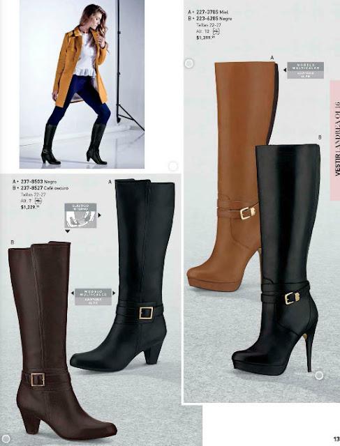 calzado de botas con detalle de hebilla