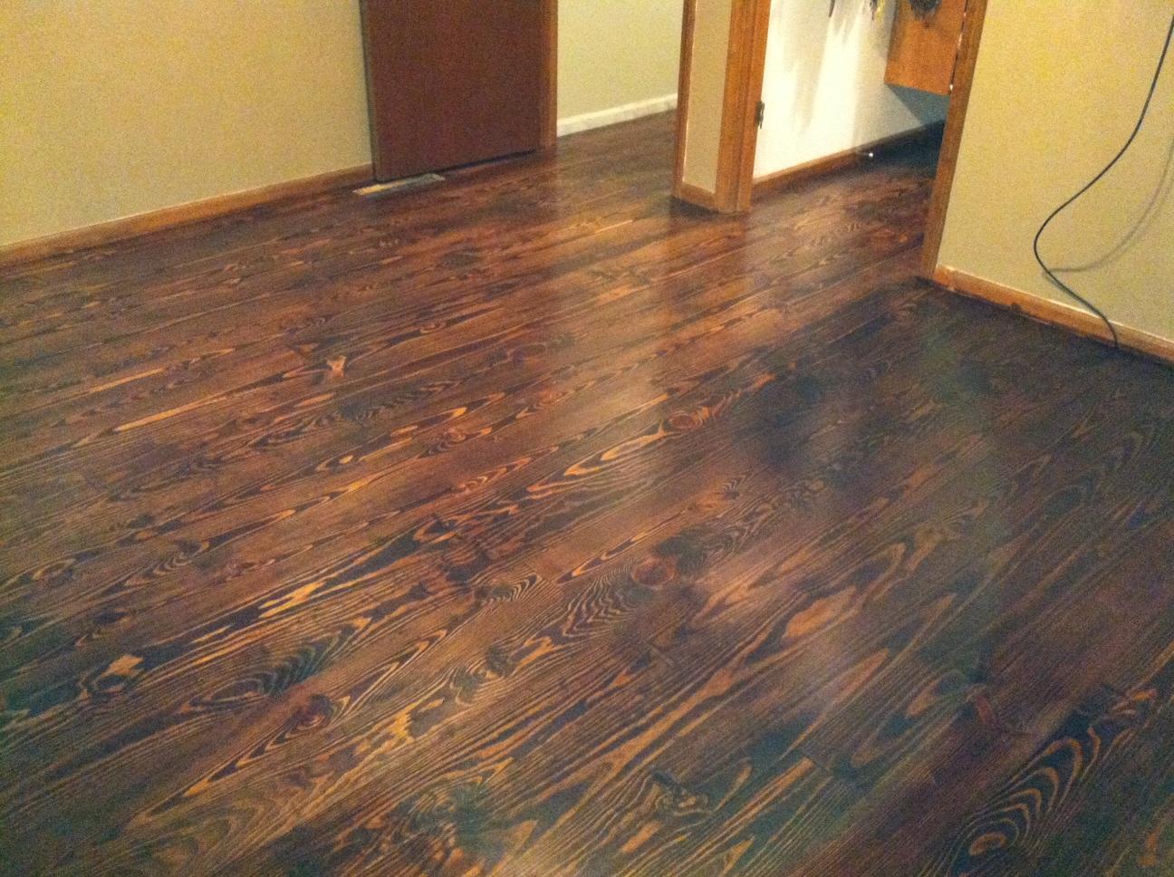 Blue Ridge Surplus: Knotty Pine Flooring- Part 2- Finished!