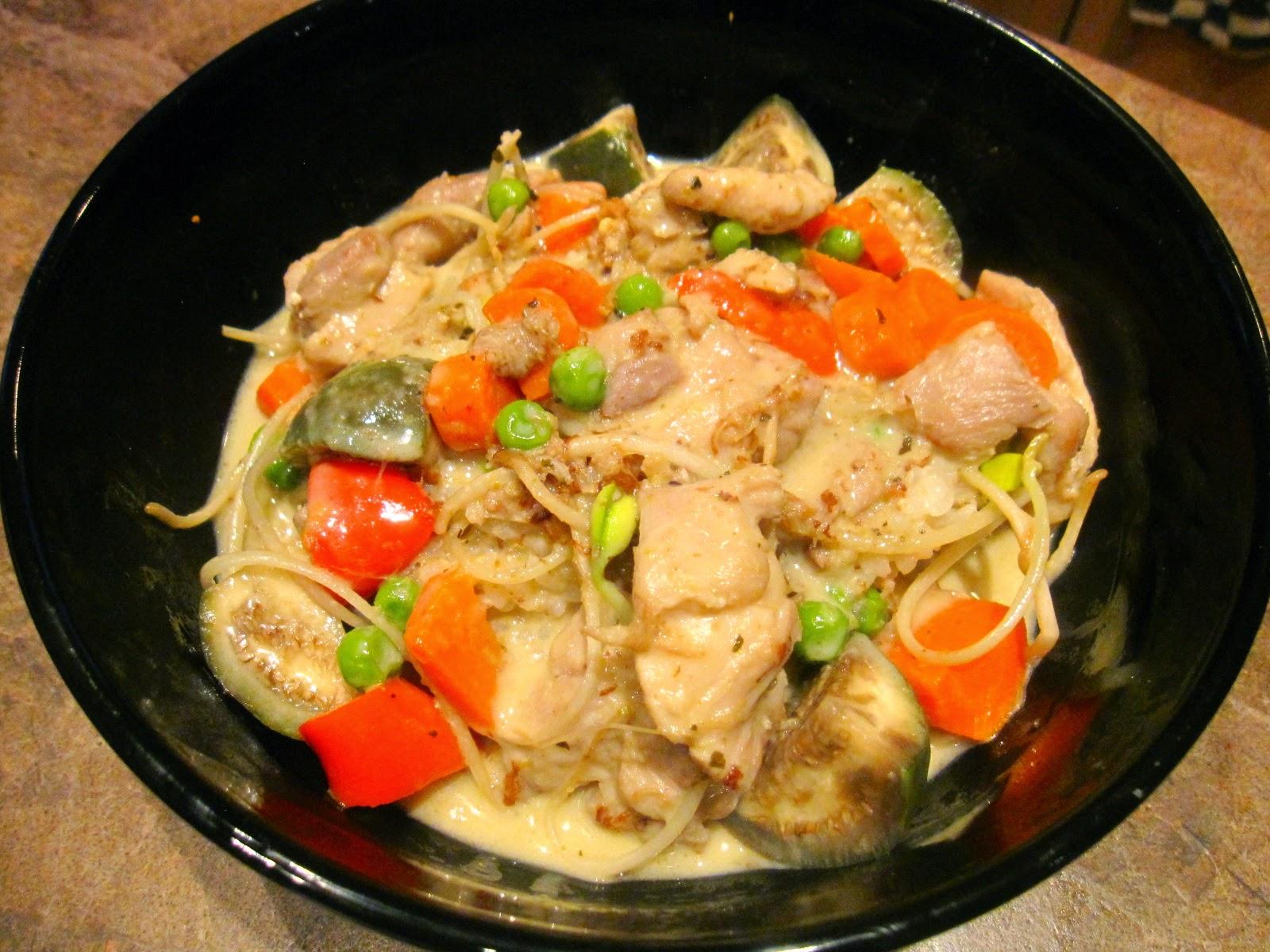 【靜姐上菜】Jean的廚房飲食歡樂記: 綠咖哩雞腿飯 (臺式煮法)