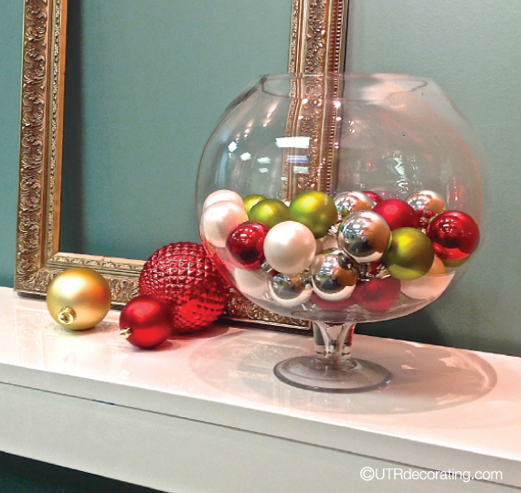Ten Minute Decorating Ideas: Sandy's Motherhood Blog: Last Minute Christmas Centerpieces