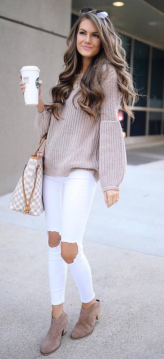 white and nude fall trends / knit sweater + bag + rips + boots
