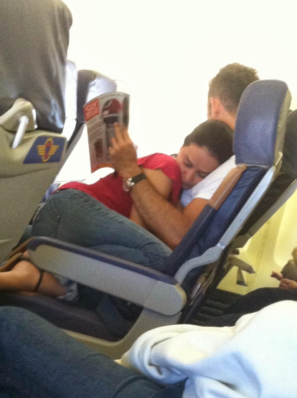 Mesra terus di pesawat