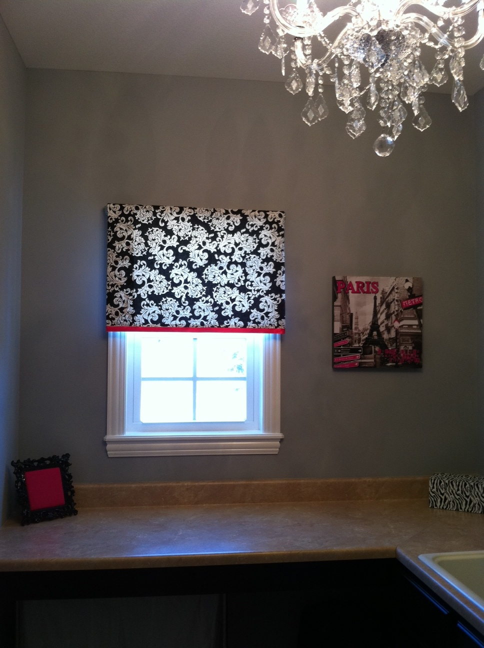 The Midwest Momma: Cheap and Easy Window Treatment