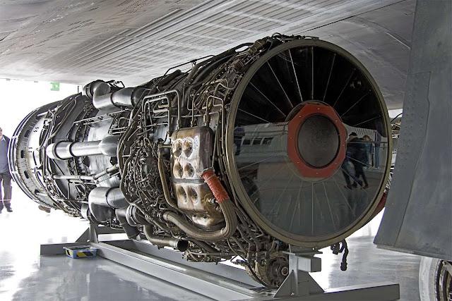 علماء صينيون يتمكنون من ابتكار محرك نفاث خاص بالطائرات يعمل بدون وقود.
