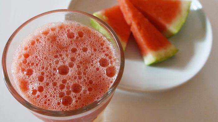 Jus penurun panas demam dari buah semangka