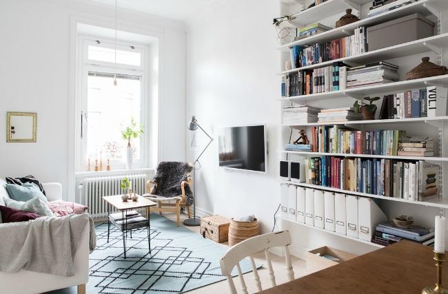 Escritorio en la habitaci n principal la garbatella - Escritorio para habitacion ...