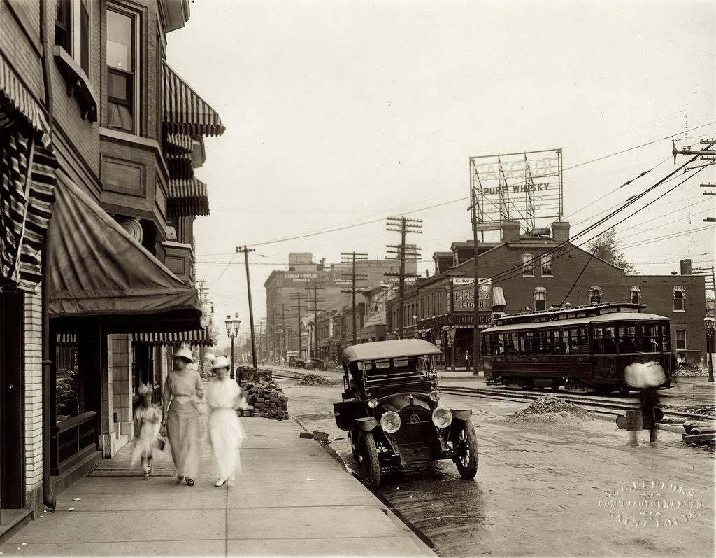 30 Stunning Vintage Photographs Of St Louis Streets In
