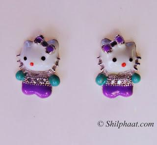 Trendy enameled earrings