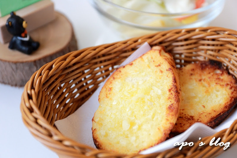 綠晨親子餐廳-蒜香麵包