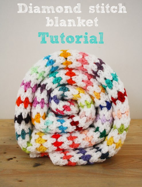 FREE Crochet Throw Blanket Patterns featured by top US crochet blog, Flamingo Toes: Diamond stitch blanket crochet pattern: step by step tutorial