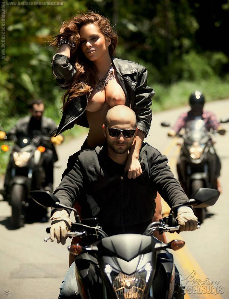 Gabi Levinnt em moto, famosa em moto, gostosa em moto, Mulheres de moto, mulher sensual na moto, gostosa em moto, Mulher semi nua em moto, biker babe, sexy on bike, sexy on motorcycle, babes on bike, ragazza in moto, donna calda in moto,femme chaude sur la moto,mujer caliente en motocicleta, chica en moto,