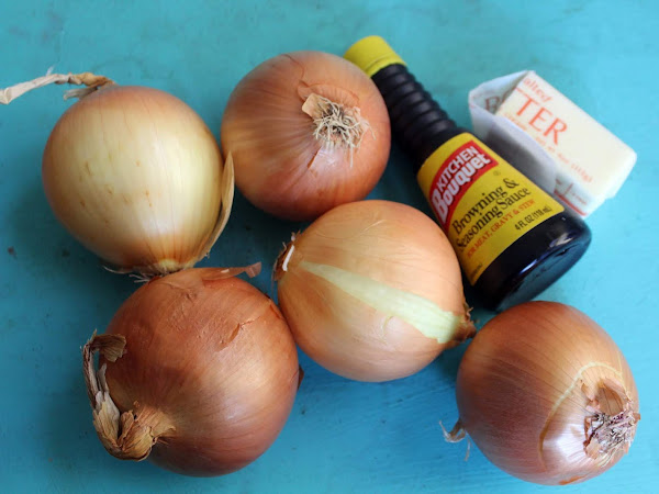 A cure for a lack of patience (caramelized onions in the slow cooker)