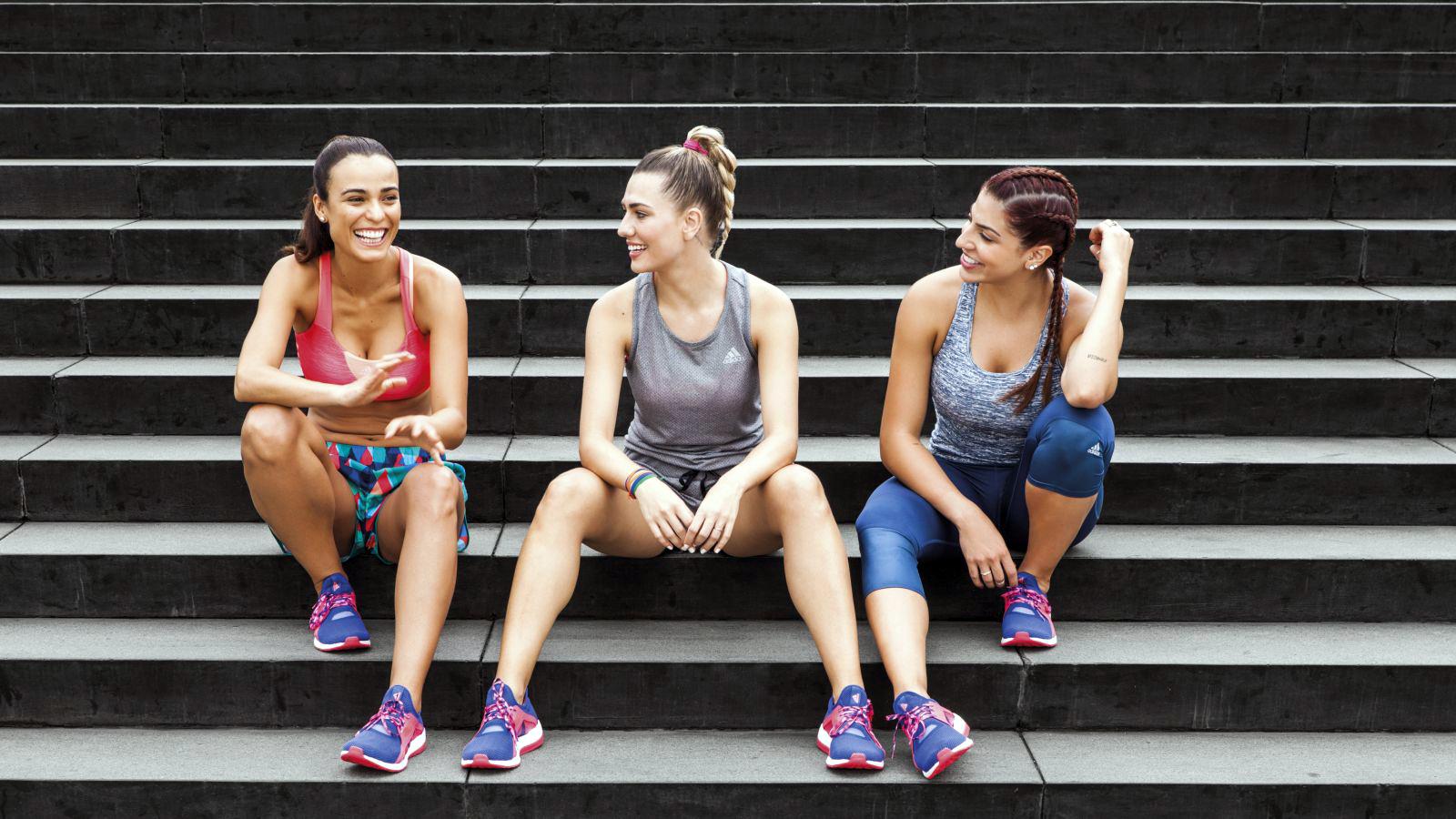 atlet Cantik Merek Nike Adidas Mizuno Reebok Puma bulutangkis