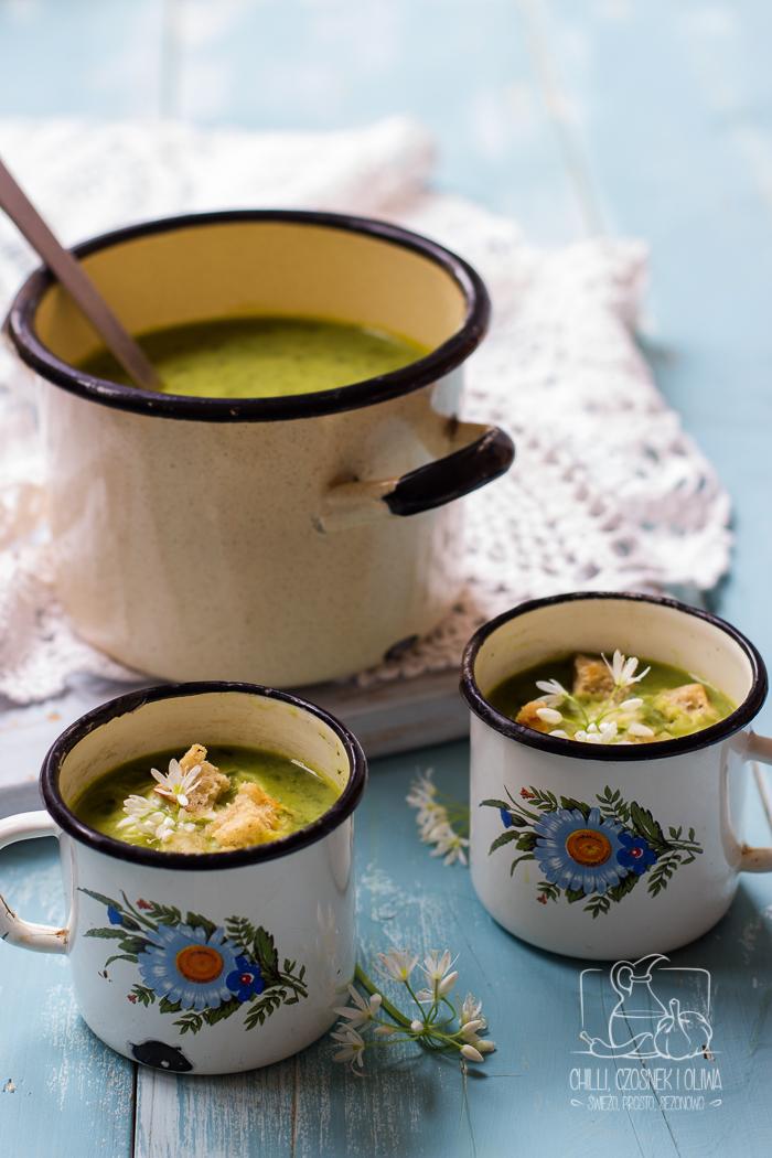 Prosta zupa z czosnku niedźwiedziego z grzankami czosnkowymi / Chilli, Czosnek i Oliwa