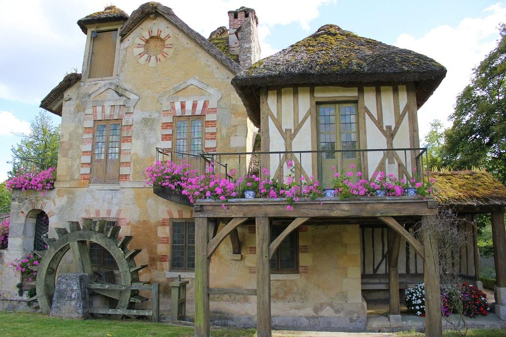 Hameau de la Reine, vesnička Marie Antoinetty ve Versailles, mlýn