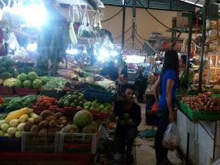 Nyasar di Pasar