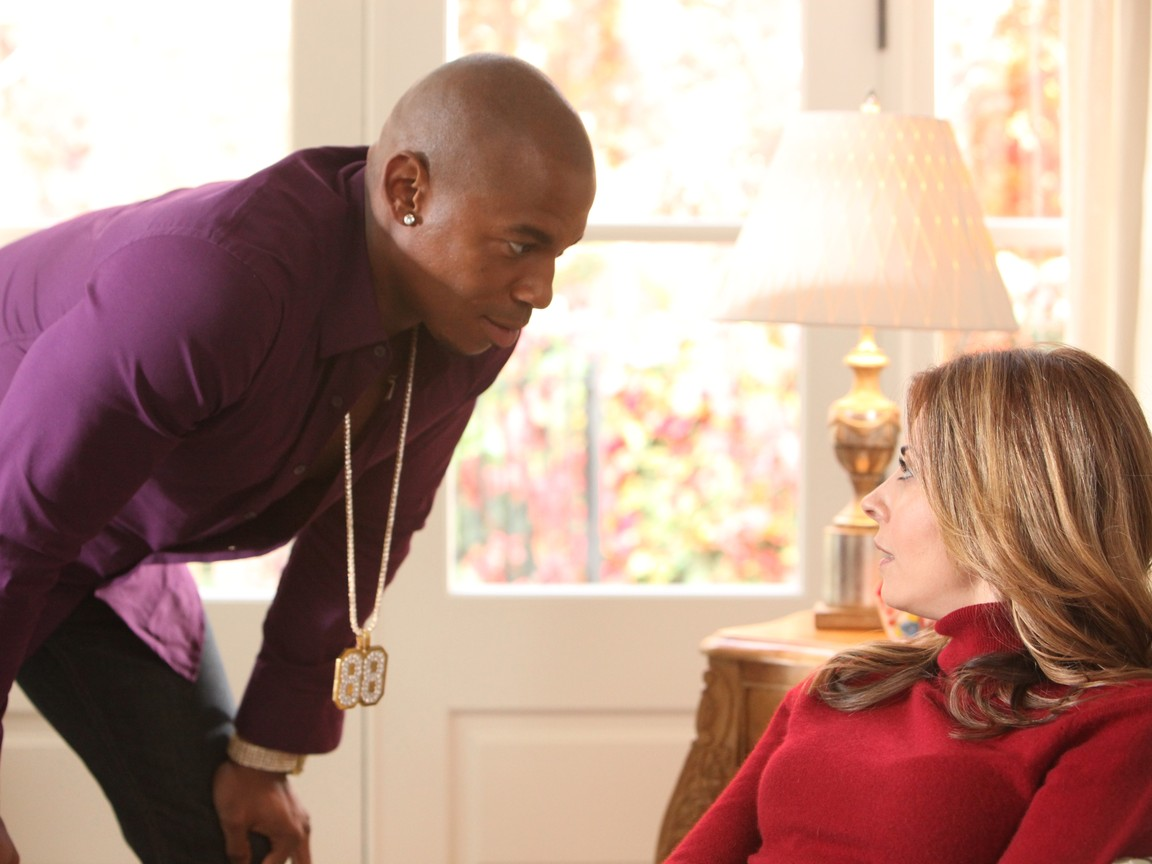 Necessary Roughness - Season 1 Episode 01: Pilot