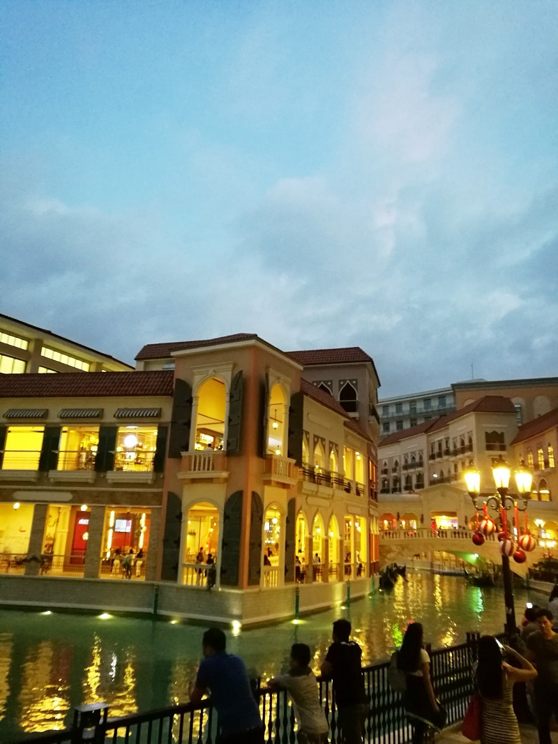 night view at Venice Canal at Venice Piazza Mall, McKinley Hills