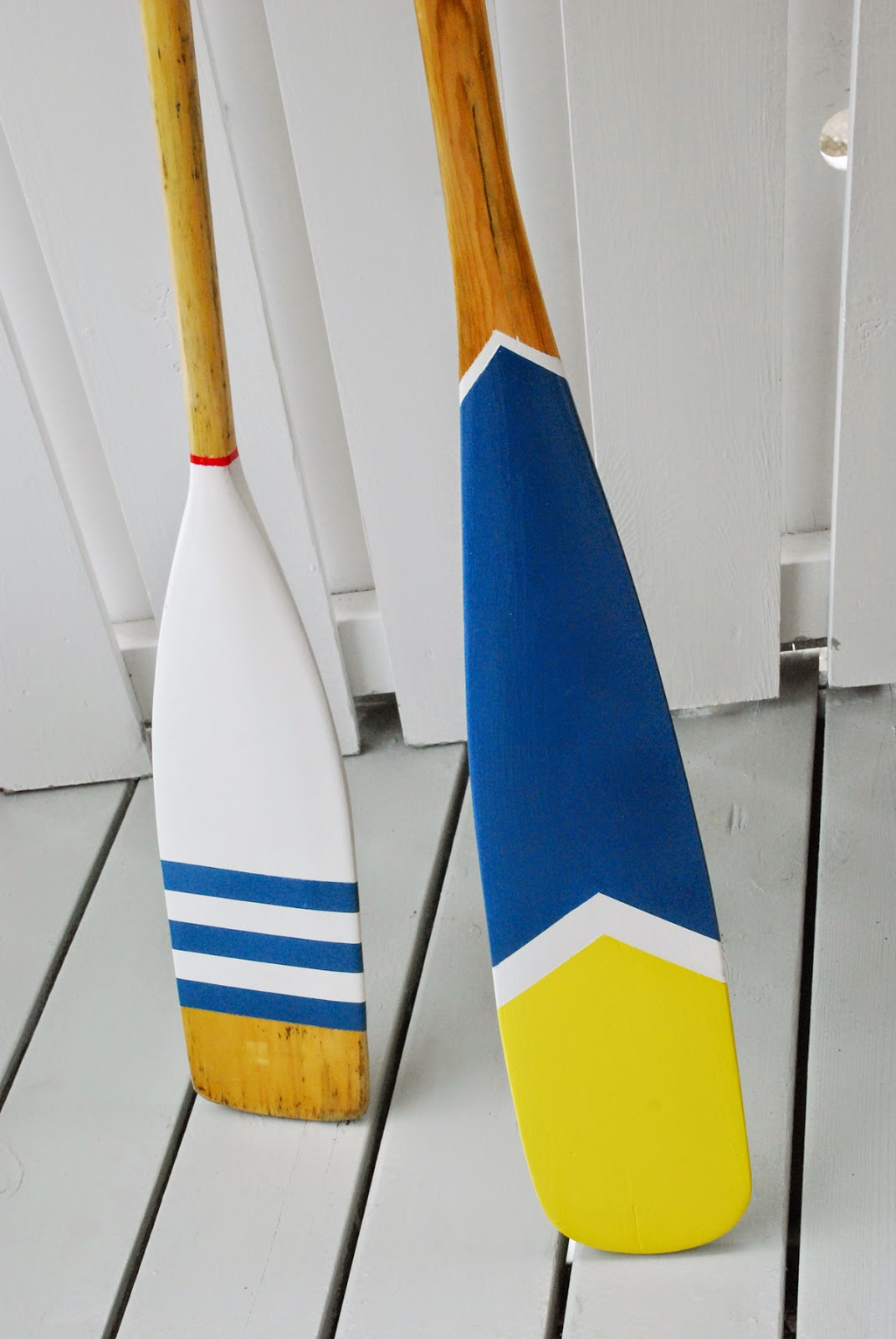 Rambling Renovators | diy nautical oars striped blue white yellow red