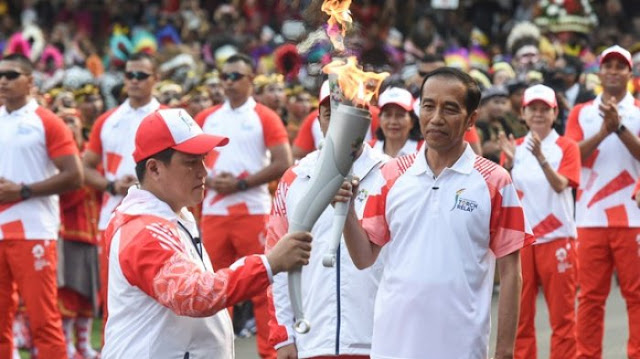Empat Tahun Jokowi, Jauh Panggang dari Api