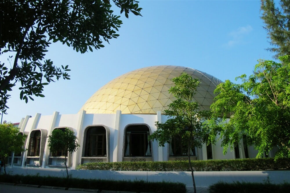 A mosque in the neighborhood of Hulhumale