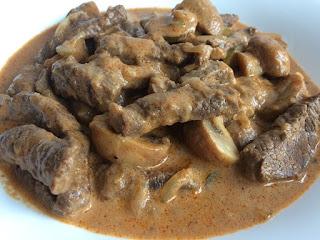 Wołowina w sosie z pieczarkami na szybki obiad