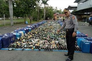Polres Indramayu Musnahkan Ribuan Botol Minuman Keras Dan Narkoba.