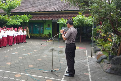 Panit Binmas Polsek Kraton Jadi Pembina Upacara di SD Panembahan
