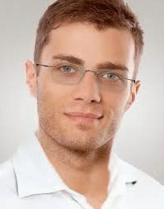 Mau Lihat Kacamata Paling Ringan Di Dunia