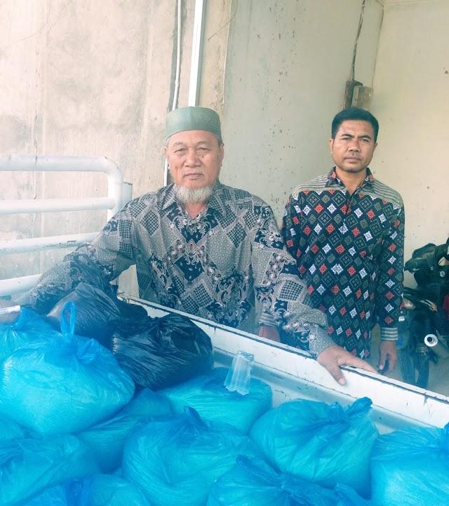 <b>Baznas Kobi Salurkan Bantuan Dana Zakat untuk 440 Orang Mustahik</b>