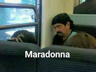 Parecidos de famosos en el transporte público maradona