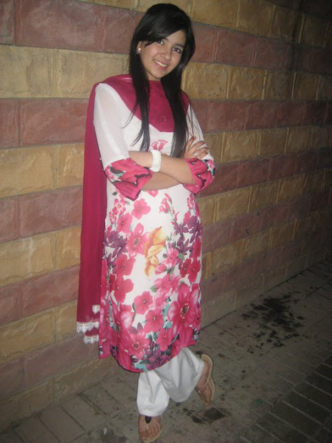 Best Collection Of Pakistans Most Beautiful Girls