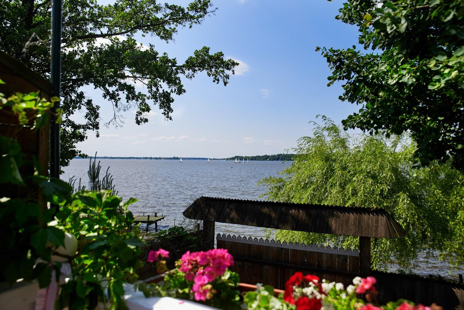Folwark u Różyca nad jeziorom Zegrzynskim pod Warszaw
