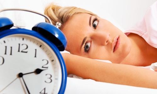 Lepiej spać dłużej czy krócej?