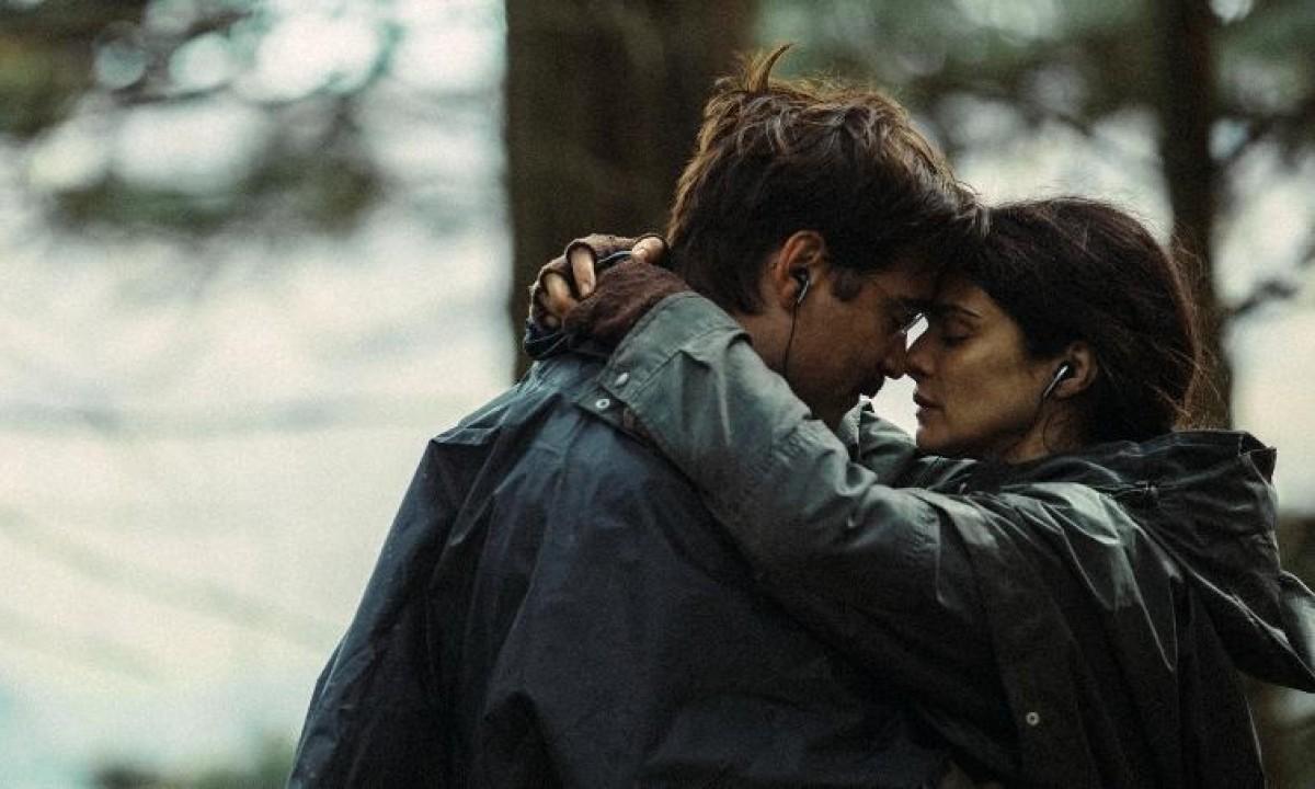 Review: 'The Lobster' Starring Colin Farrell, Rachel Weisz, And Lea Seydoux ~ Punch Drunk Critics