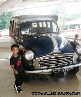 koleksi mobil di museum transportasi